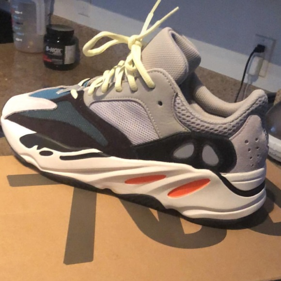 sale retailer 2a4ac ba9a1 Yeezy 700 wave runners 10.5 flight club